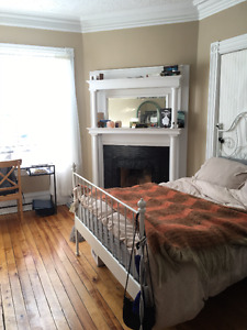 Sublet from MAY 1-SEPT 1. 1233 Edward St. Upper Flat ON CAMPUS