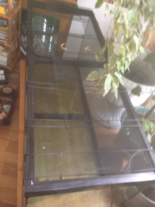 Terrarium/Tank , Glass, with plastic bottom, and metal cover