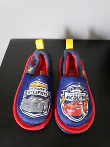Toddler boy cars sleepers brand new 5/6