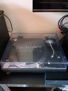 Two Technics SL-1200MK2 Manual Stereo Turntables