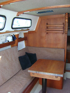 29' Cal  Sail Boat Cruiser must be seen Try your trades. Peterborough Peterborough Area image 3