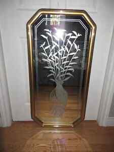 Mirror with design