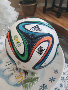 FIFA brazuca official match ball VERY COLLECTIBLE