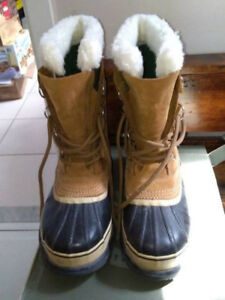 Sorel Caribou Boots NL 1005-280 Women Size 8 Excellent Condition