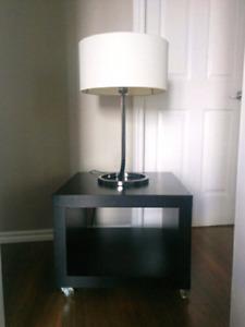 Lampe IKEA + Table de nuit
