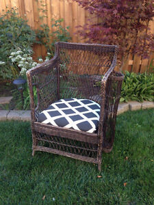 Wicker buy or sell patio garden furniture in for Outdoor furniture kijiji