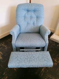 Laz-y-boy armchair