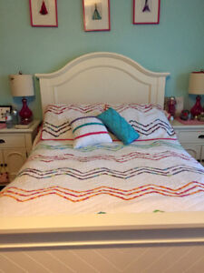 Double Coverlet, Shams & accent pillows