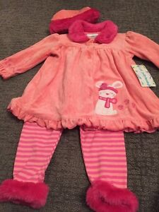 NEW! Coral pink outfit with faux fur trim 3T