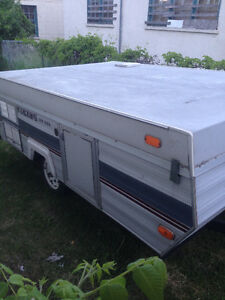 1989 Viking 10 foot Pop-Up Tent Trailer