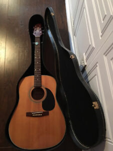 Vantage Acoustic Guitar & Hard Shell Case