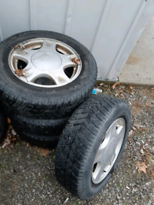 4 winter tires and rims 205/65/r16