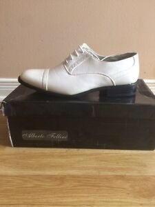 White dress shoes BRAND NEW size 9