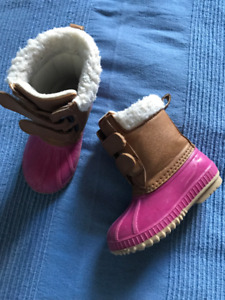 Winter shoes/chaussures d'hiver, girl/fille GAP 7T/8T