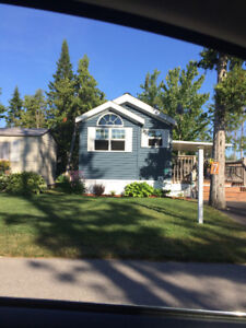 RV Park Model for sale in the Lakes of Wasaga Ont