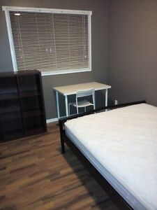 Furnished upstairs bedroom in a nice neighbourhood avail May