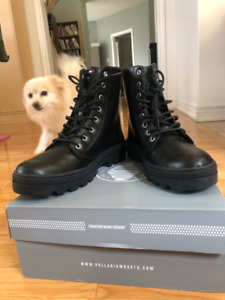 SELLING Palladium Leather Officer Boots [BRAND NEW] Size 9