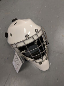 New Coveted A5 - SR Certified Hockey Goalie Mask Medium