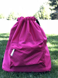 Dry-wet separated backpack