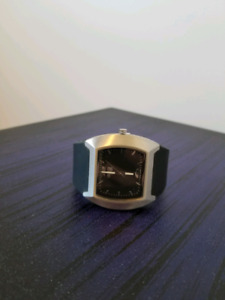 Watch with 8GB removable USB stick