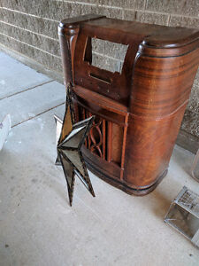 Gutted antique radio