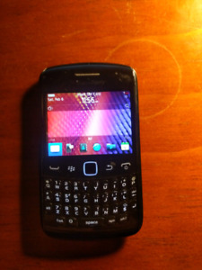 BlackBerry Curve, Two available