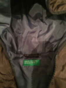winter coat size 6-7. benetton