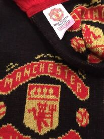 Manchester United goodies (scarf, jacket, wall clock, alarm clock)