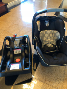 New born baby car seat (Used)
