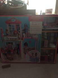 Barbie complete set. New in box