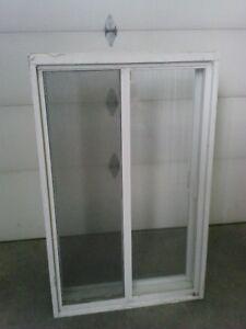4 Belles fenêtres en aluminium blanc