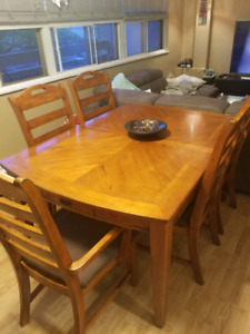 Complete Oak Dinning set - Must go! Putting in storage Sunday