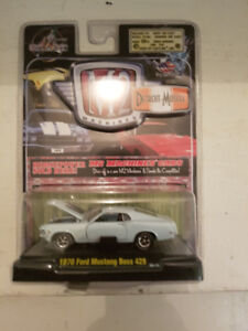 M2 Machines Detroit Muscle 1970 Mustang Boss 429 1:64 Scale Whit