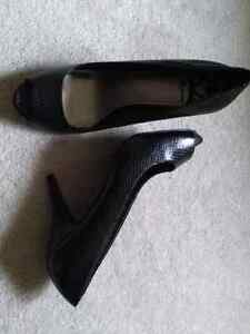 VARIETY OF LADIES SHOES FOR SALE - SZ 10!!
