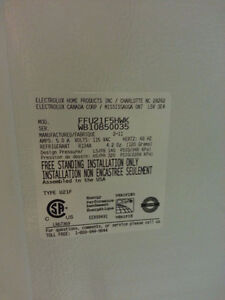 HUGE  Frigidaire upright freezer - LIKE NEW  ONLY $500 Cambridge Kitchener Area image 3