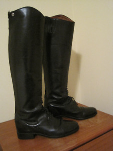 Ariat tall riding boots size 9 slim calf