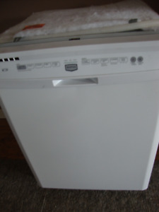DELUXE MAYTAG built-in DISHWASHER $150.