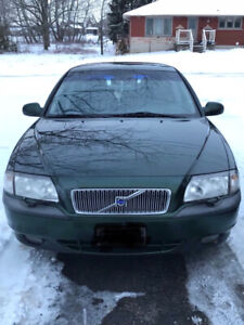 Volvo for sale 1,200$