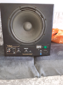 Rel subwoofer with bluetooth sound bar