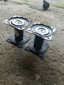Pair of 7 inch pedestals for a boat