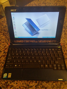 "ACER ASPIRE ONE 9"" ZG5 MINT CONDITION"