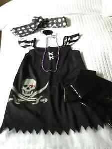 Costume fille 8-10 ans  Halloween pirate sorcière