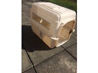 Vari kennel- flight approved dog transporter