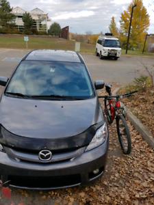 2007 Mazda 5 . Needs engine.