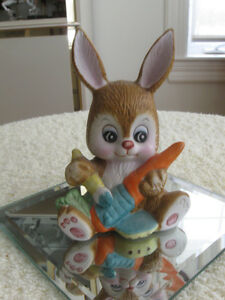 CUTE LITTLE PETER RABBIT FIGURINE