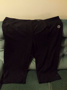 NEW YOGA CAPRI PANTS, SIZE 4X
