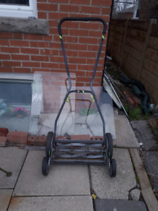 """5 blade 18"""" Mover in like new condition"""