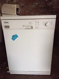Miele dishwasher for spares or repairs