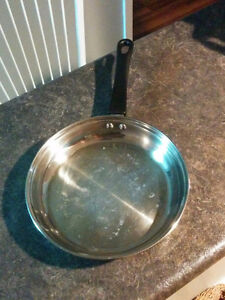 2 frying pans Regina Regina Area image 2