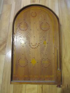 Antique, jeun de bagatelle en bois